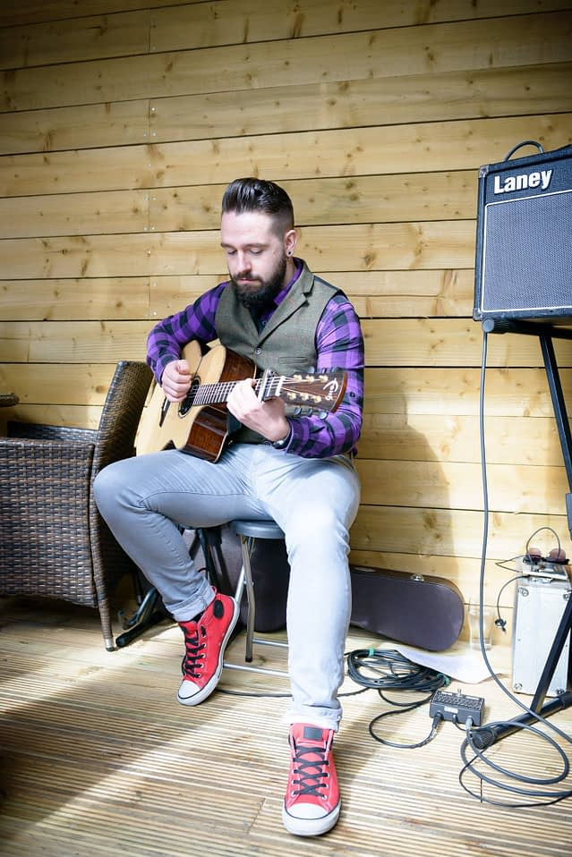Manchester based Fingerstyle Guitarist